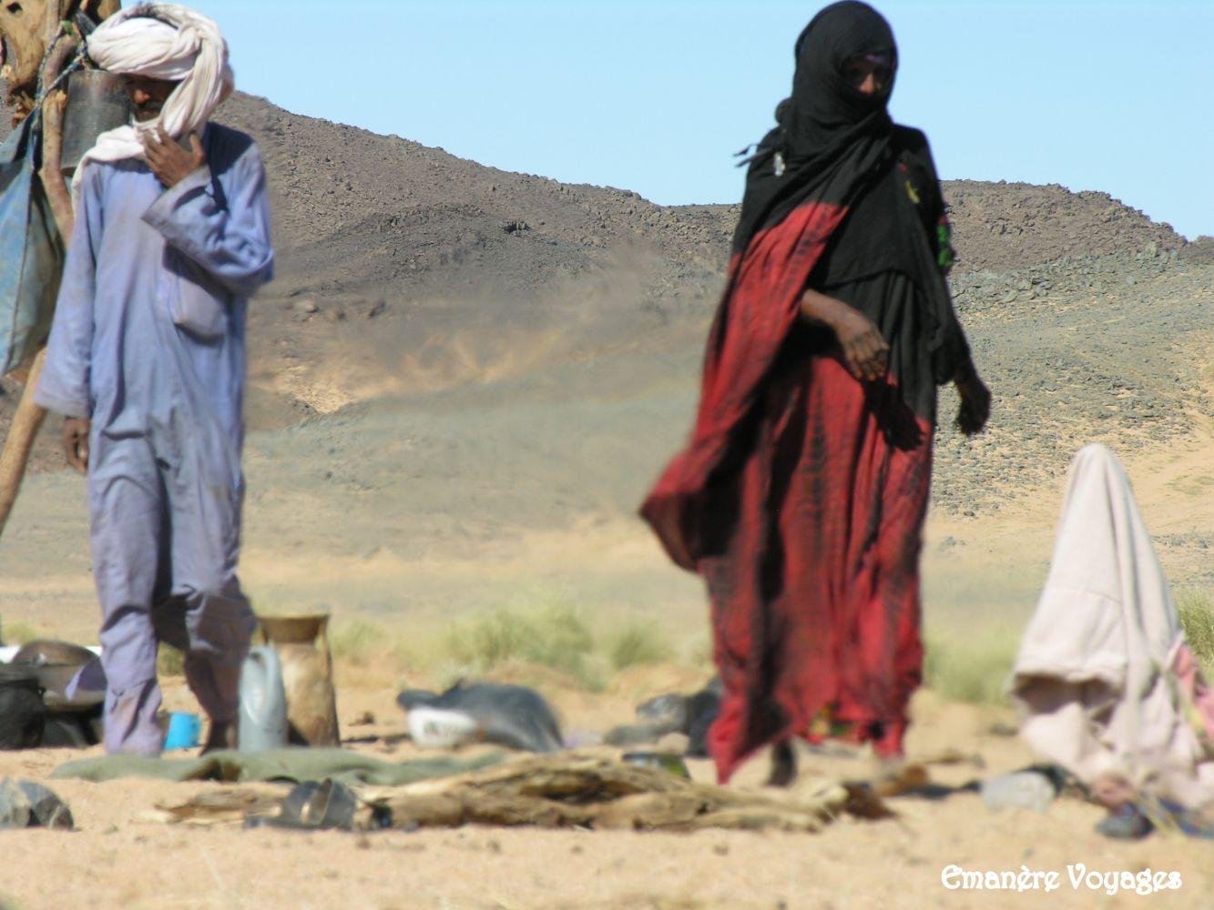 Nomades_Touareg_desert_Algerie.JPG