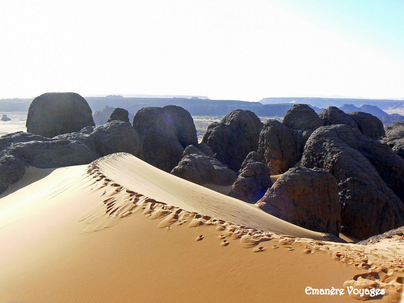 Tassili_du_Hoggar_desert_Algerie_2.jpg